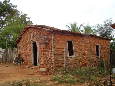 Resultado de imagem para casas de taipa